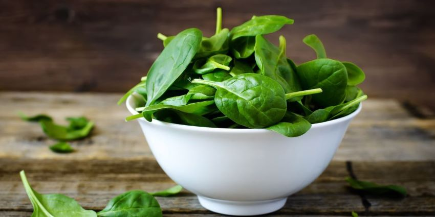 Forget Popeye's canned stuff: fresh spinach is the chieftain of leafy greens thumbnail