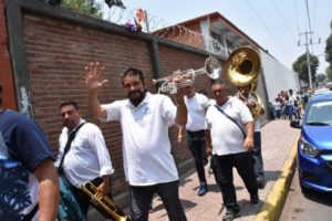 Far from solemn, quiet affairs, religious processions in Mexico, including funerals, are accompanied by loud music provided by bands featuring brass, woodwinds, and percussion.