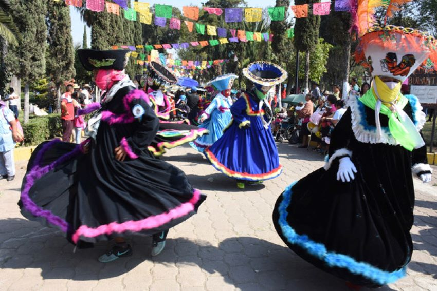 Xochimilco's chinelo dancers also exist in México state and Morelos.
