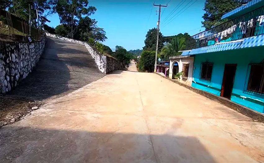 San Juan del Río is a ghost town as residents isolate to avoid further contagion.