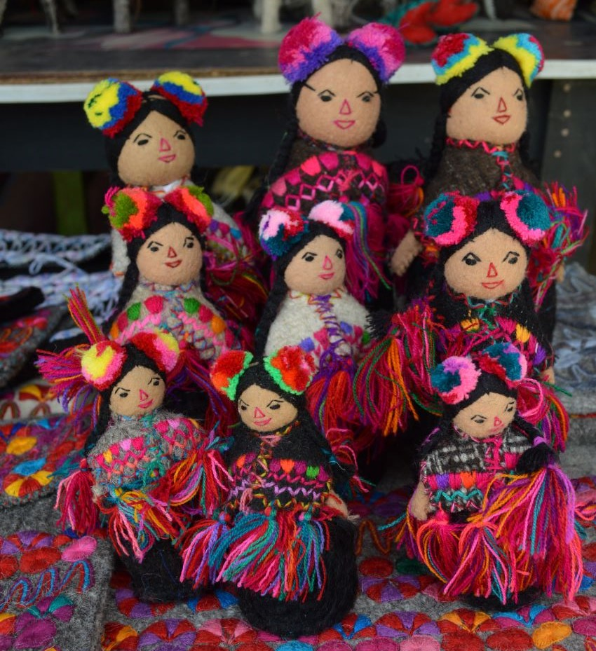 Cloth dolls in traditional women's garb of the Chiapas highlands made by the Pastishtan family.