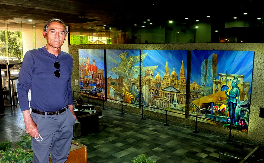 Monroy with his newly completed mural, now entitled The Origins of Guadalajara.