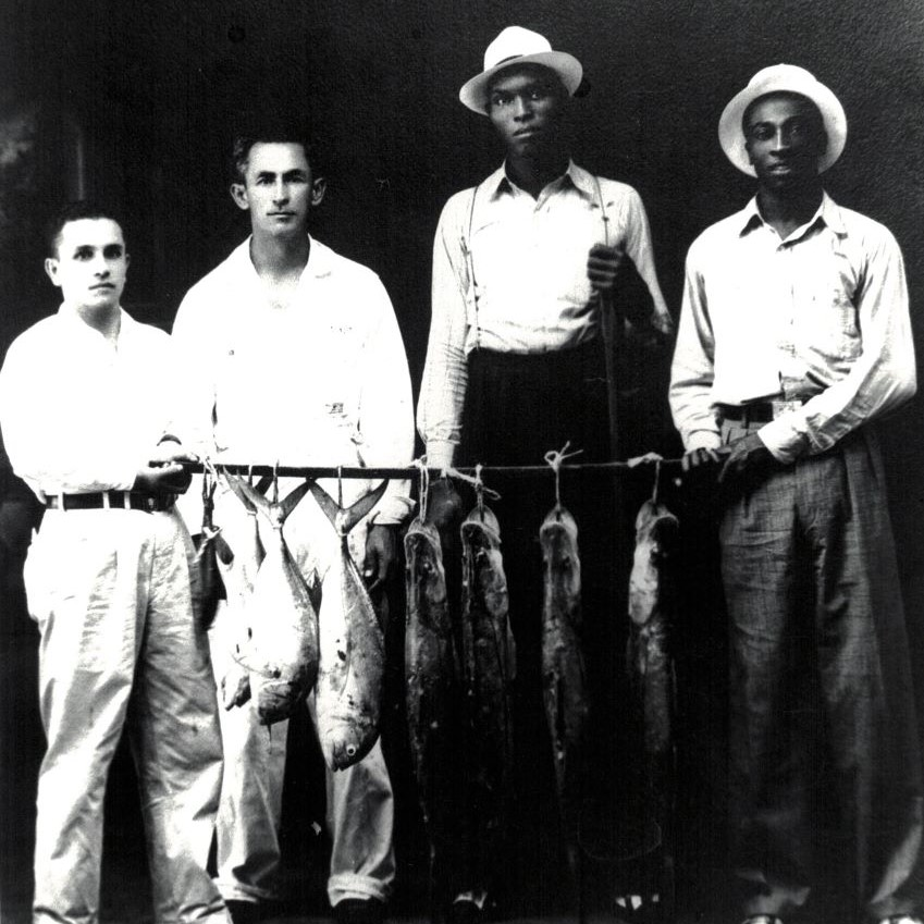 Bell (second from right) photographed during his time in the Mexican League.
