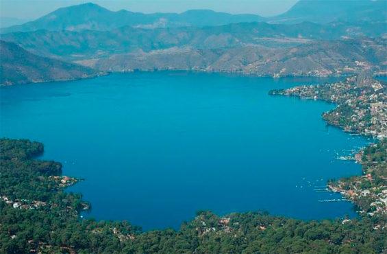 The Valle de Bravo dam