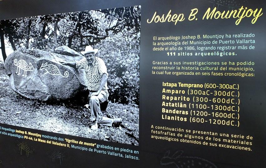 Joseph Mountjoy con grabados de dos oncillas,