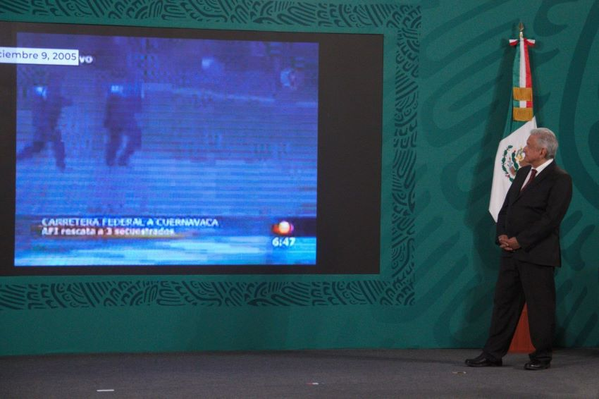 AMLO dedicated some of his morning press conference to showing old news footage of a 2005 televised arrest that turned out to be restaged by police for the Televisa news network.