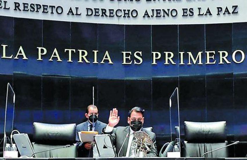 The Senate voted 80-25 in favor of extending Arturo Zaldívar's term.