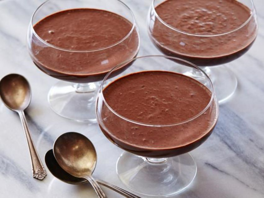 This tasty chia chocolate pudding has a bonus: it's good for you.