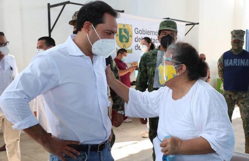 Yucatán Governor Mauricio Vila at a Covid-19 vaccination center in Mérida last week.