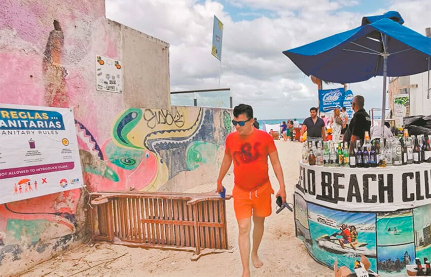In Cancún, easy access to alcohol at beach entrances may have played a role in beachgoers' laissez-faire attitudes towards Covid safety.