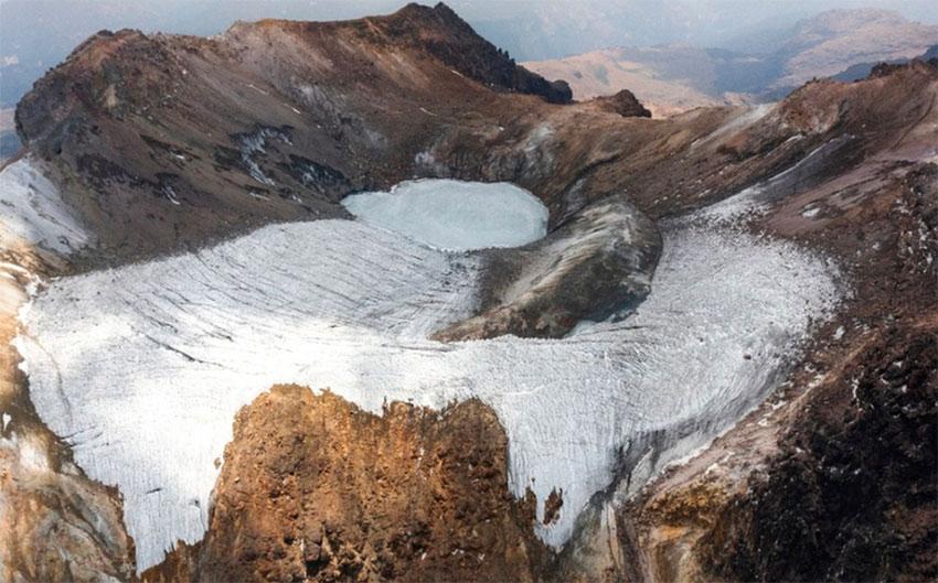 The now extinct Ayoloco glacier.