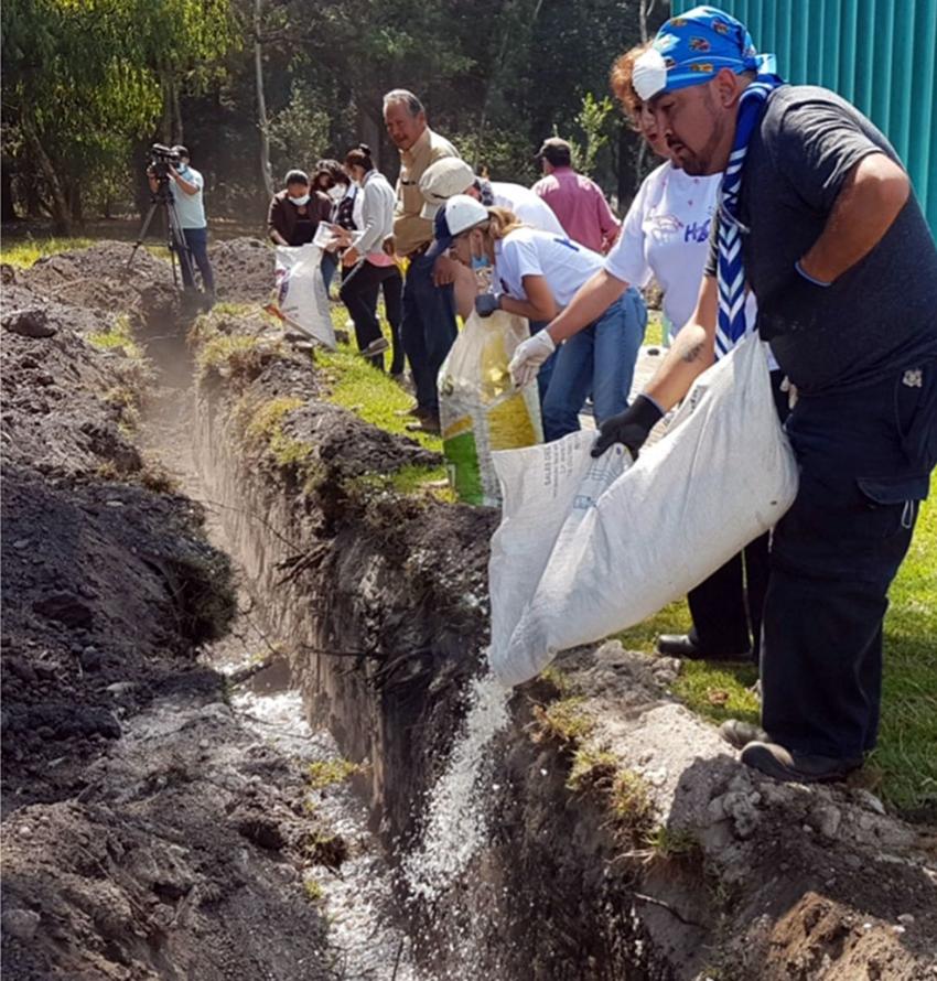 cleaning up Santiago River, Guadalajara