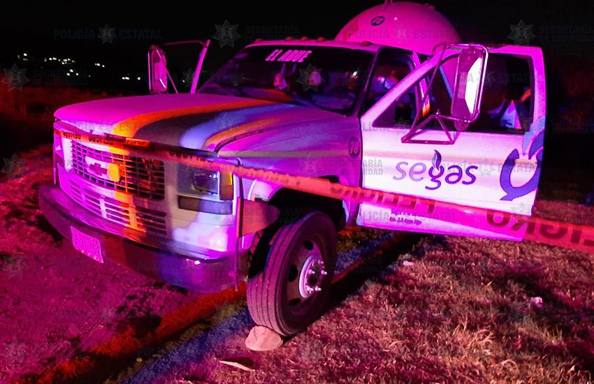 tanker pickup truck in Chiautla, México state