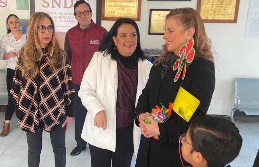 At a 2019 DIF event with First Lady Beatriz Gutiérrez Mueller