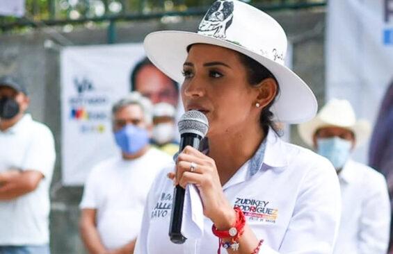 PRI-PAN-PRD alliance candidate for mayor in Valle Bravo, México state, Zudikey Rodríguez