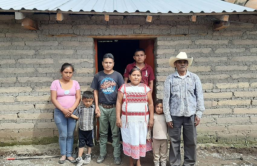 Family in Metlatónoc, Guerrero