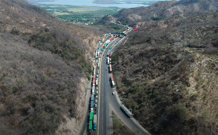 Heavy truck traffic is causing problems in Manzanillo.