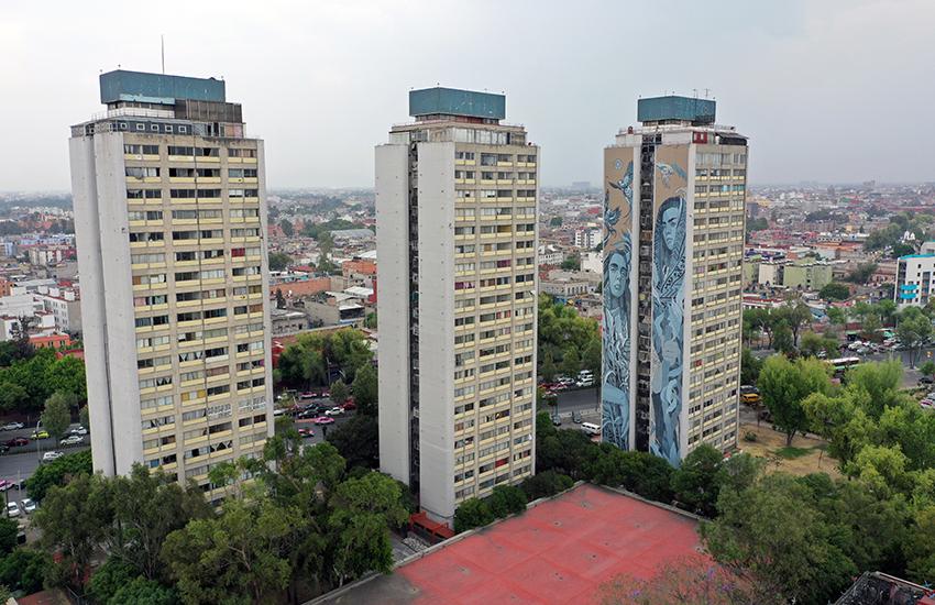 Paola Delfín mural