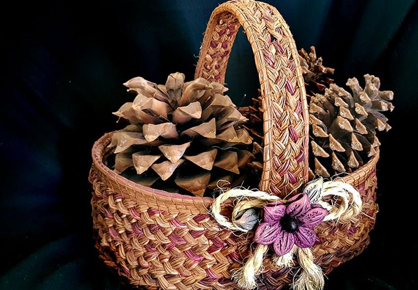 Marina Bañuelos pine needle basket