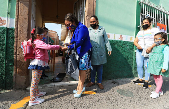 Children returning to in-person classes in Leon, Guanajuato, under a pilot program that began in May.