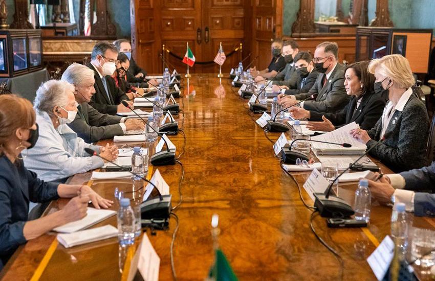 United States Vice President Kamala Harris meets with President López Obrador.