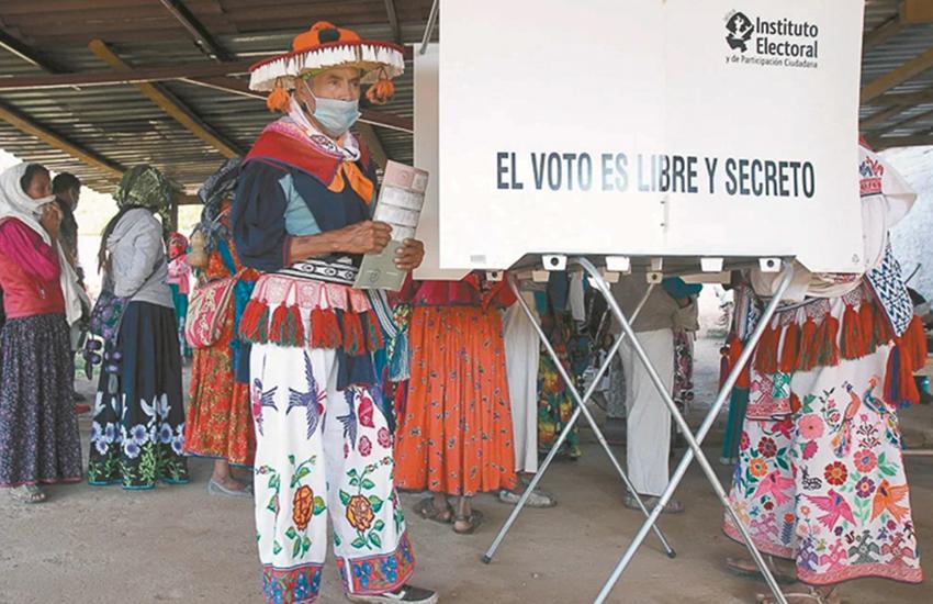 Tzotzil man in Chiapas preparing to vote