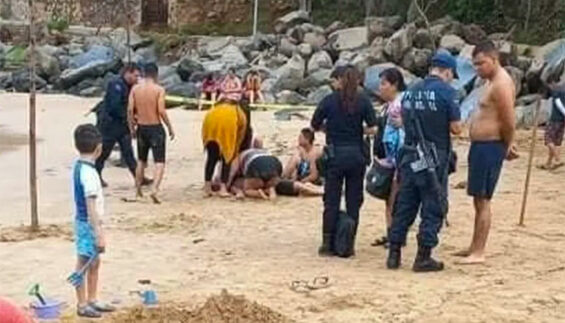 Rescue workers attempt to resuscitate the victim at Chacala beach.