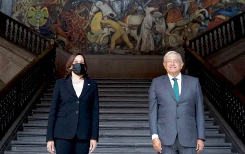 Harris and López Obrador at the National Palace on Tuesday.