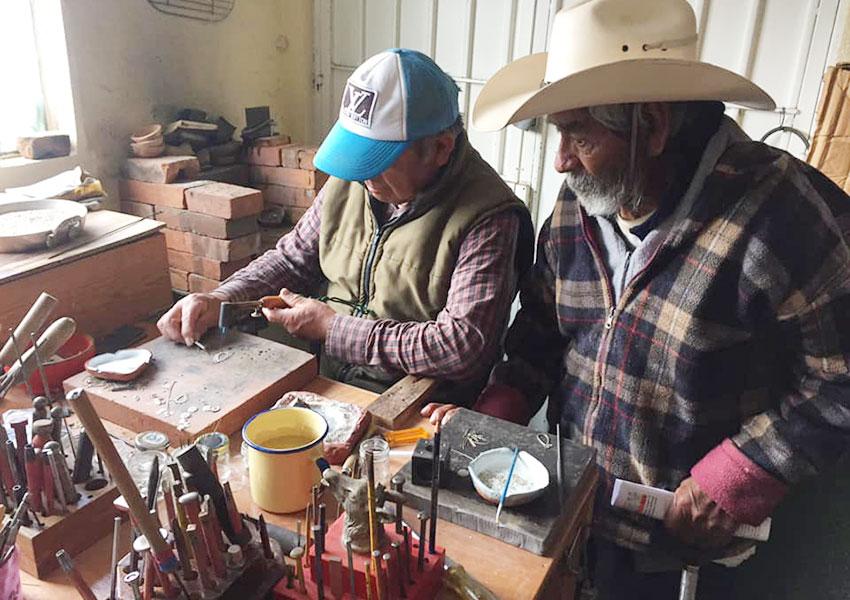 José Wilibaldo García and Gregorio Garcia Ruiz in their jewelry workshop, San Felipe, México state