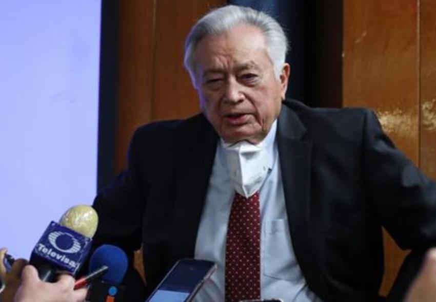 CFE director Manuel Bartlett