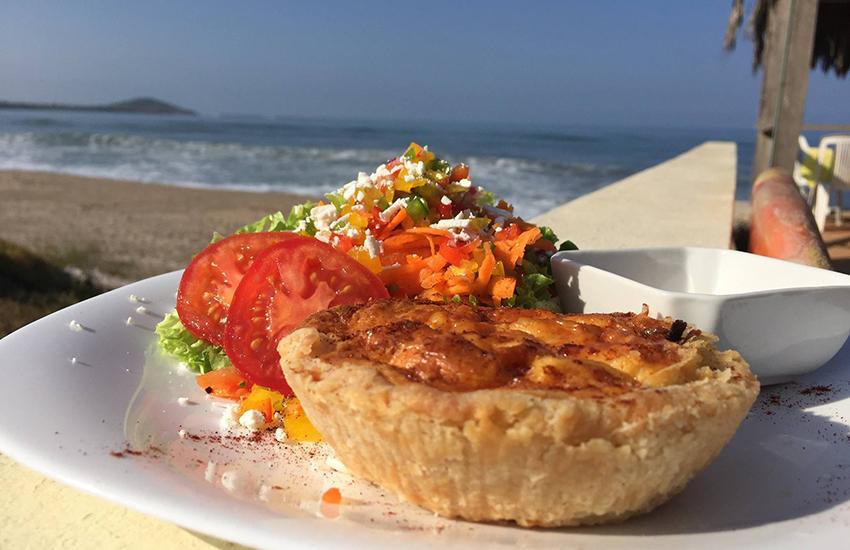 Surf's Up Café's Mini-Quiche Salad Mazatlan