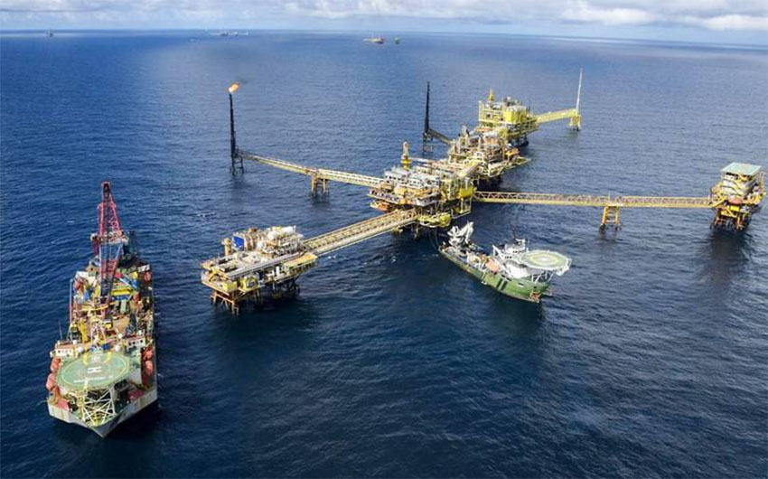 Pemex processing center Ku-A in the Gulf of Mexico