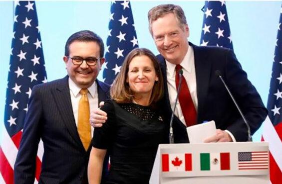 Guajardo, left, during trade talks